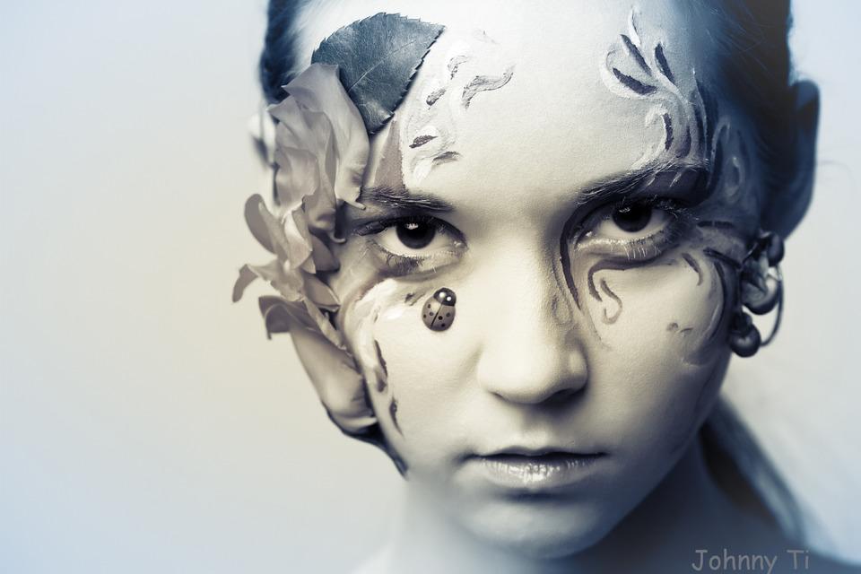 Child with ladybird | ladybird, child, glamour