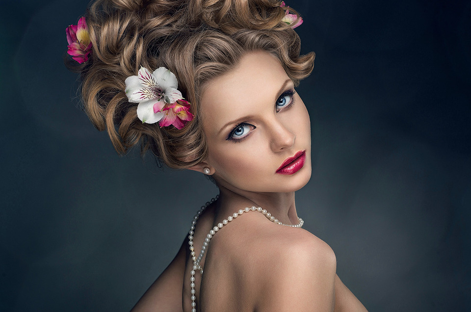 Glamourous girl | glamourous girl, make-up, hairdo with flowers