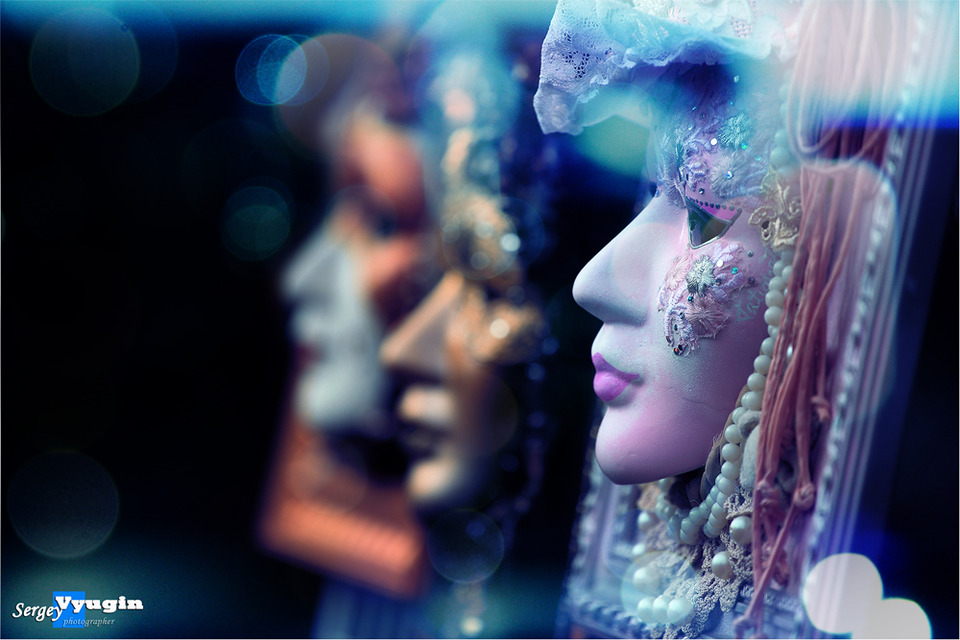 Mannequins | mannequin, glamour, beads