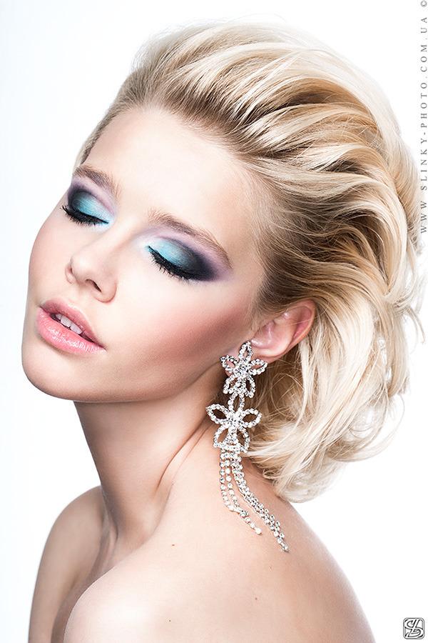 Blond with stylish make-up | stylish make-up, blond, closed eyes, earrings