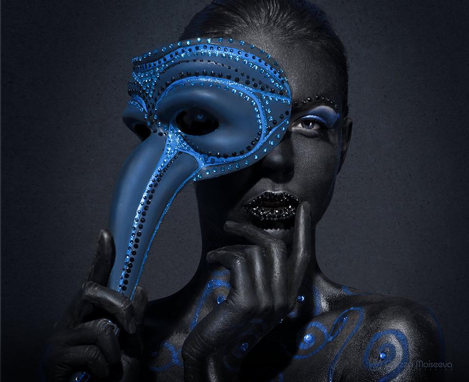 "Girl wearing ""Doctor Plague"" mask |"