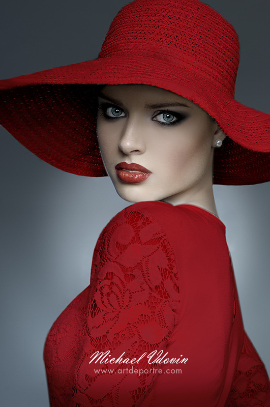 All is red | cartweel hat, red lipstick, red dress, perfect skin