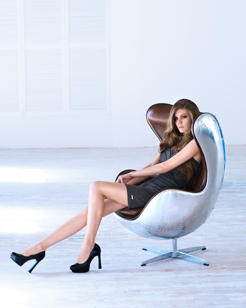 Round armchair | armchair, photo shoot, girl, room
