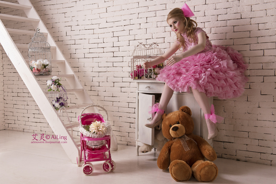 Looks like real barbie | barbie house, blond, pink, stairs