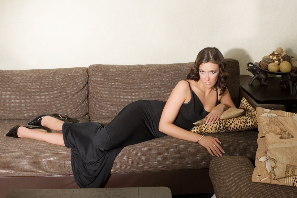 Gorgeous woman lying on a couch | gorgeous, model, couch, flat