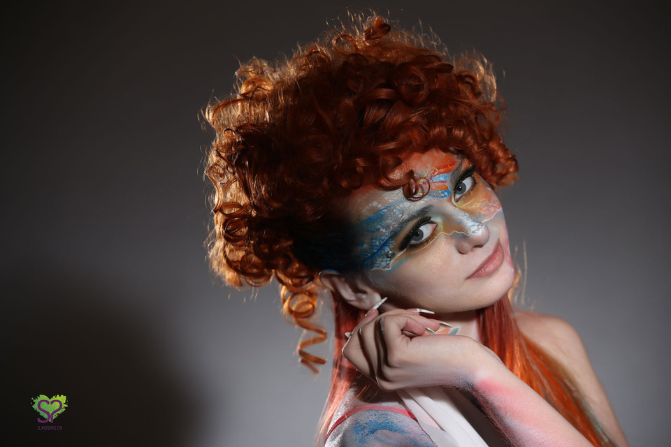 Redhead and painting | redhead, body art, cutie, glamour