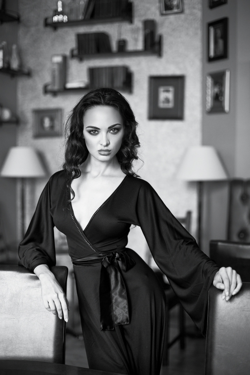 Pretty woman in black robe | glam, model, woman, portrait, dark hair, black & white, slim, black robe, room, curls