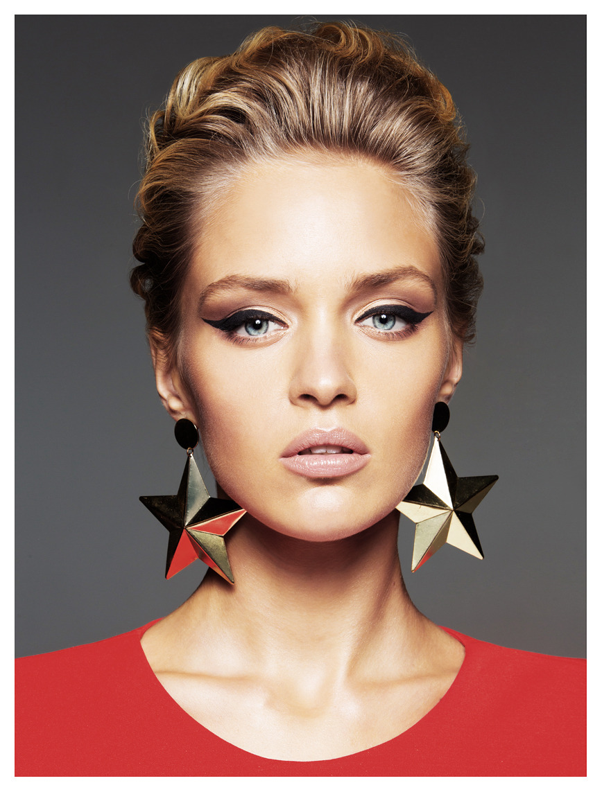 Beautiful model with a star-like earrings | star-like earring, pink lipstick, beautiful model, blue eyes, blond