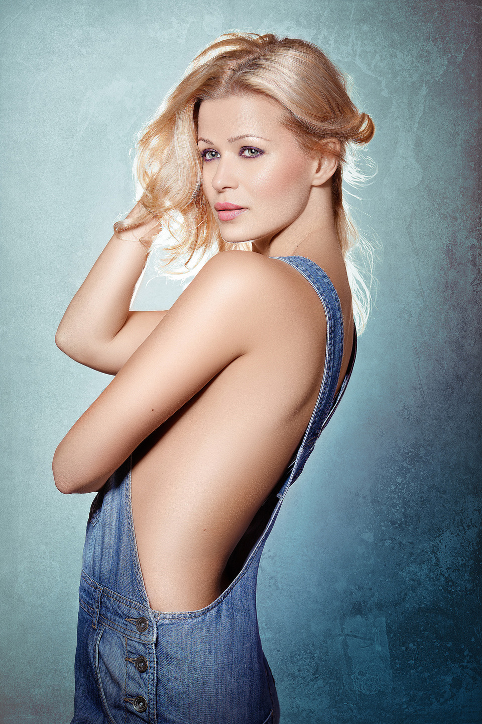 Model in the jumpsuit | photo, model, blonde, hair, denim, blue, make-up, nude, jumpsuit, background