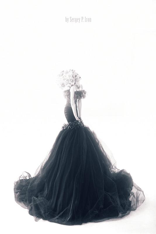 Girl in vintage dress | girl, vintage dress, black & white, blond