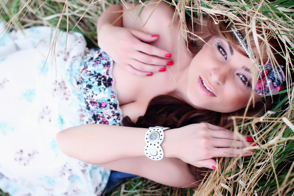 Girl in the grass | glamour, model, girl, nails, grass, hairband , watch, make-up, field, long hair
