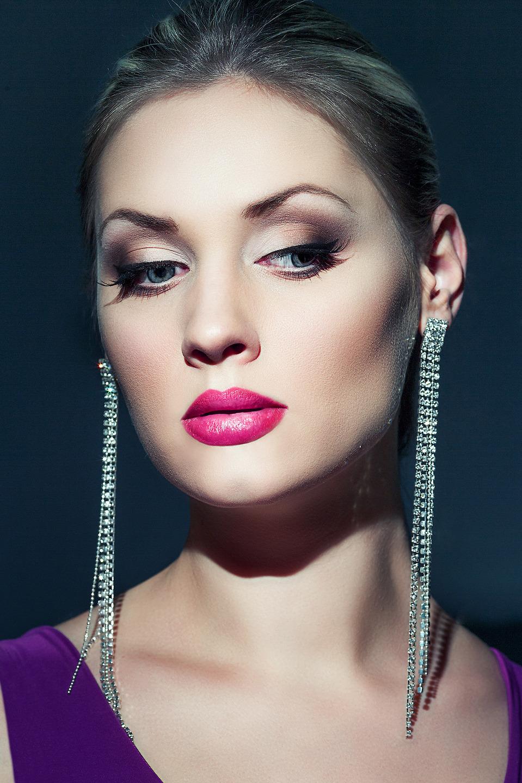 Cute Mary with long diamond earrings   diamond earrings, red lipstick, cute model, perfect skin, blue dress