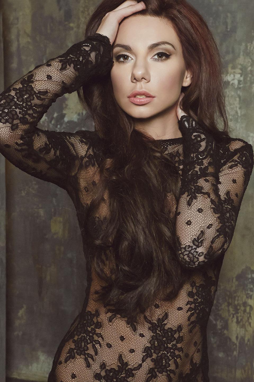 Celebrity style | celebrity, style, pink lipstick, cutie