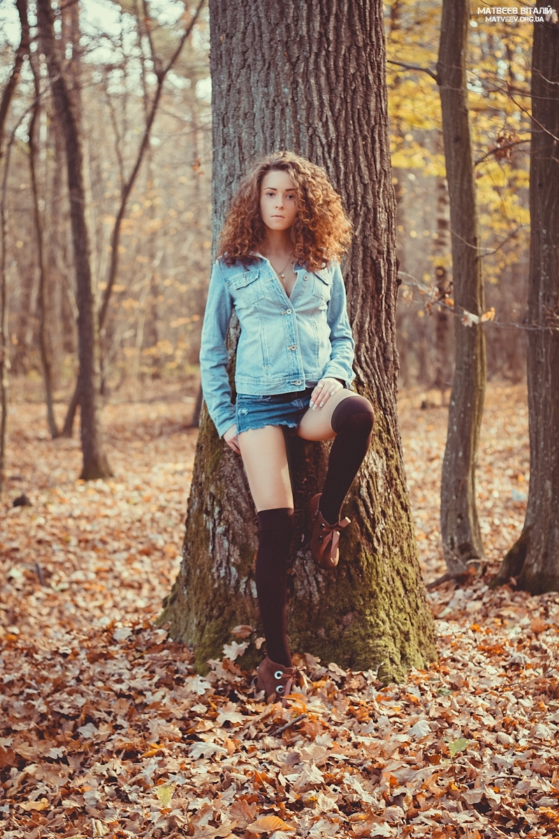 Girl in stockings lost in woods | stockings, wood, forest, fallen leafs, birch