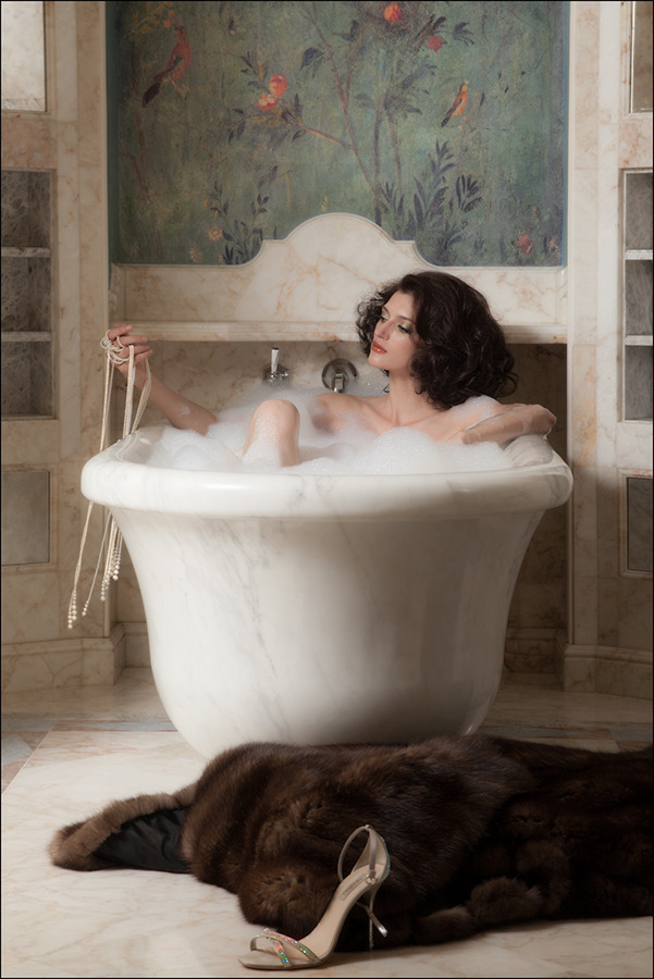 Pretty woman in the bath | model, bathroom, bath, foam, wall paper, birds, fur, shoe, brunette, woman