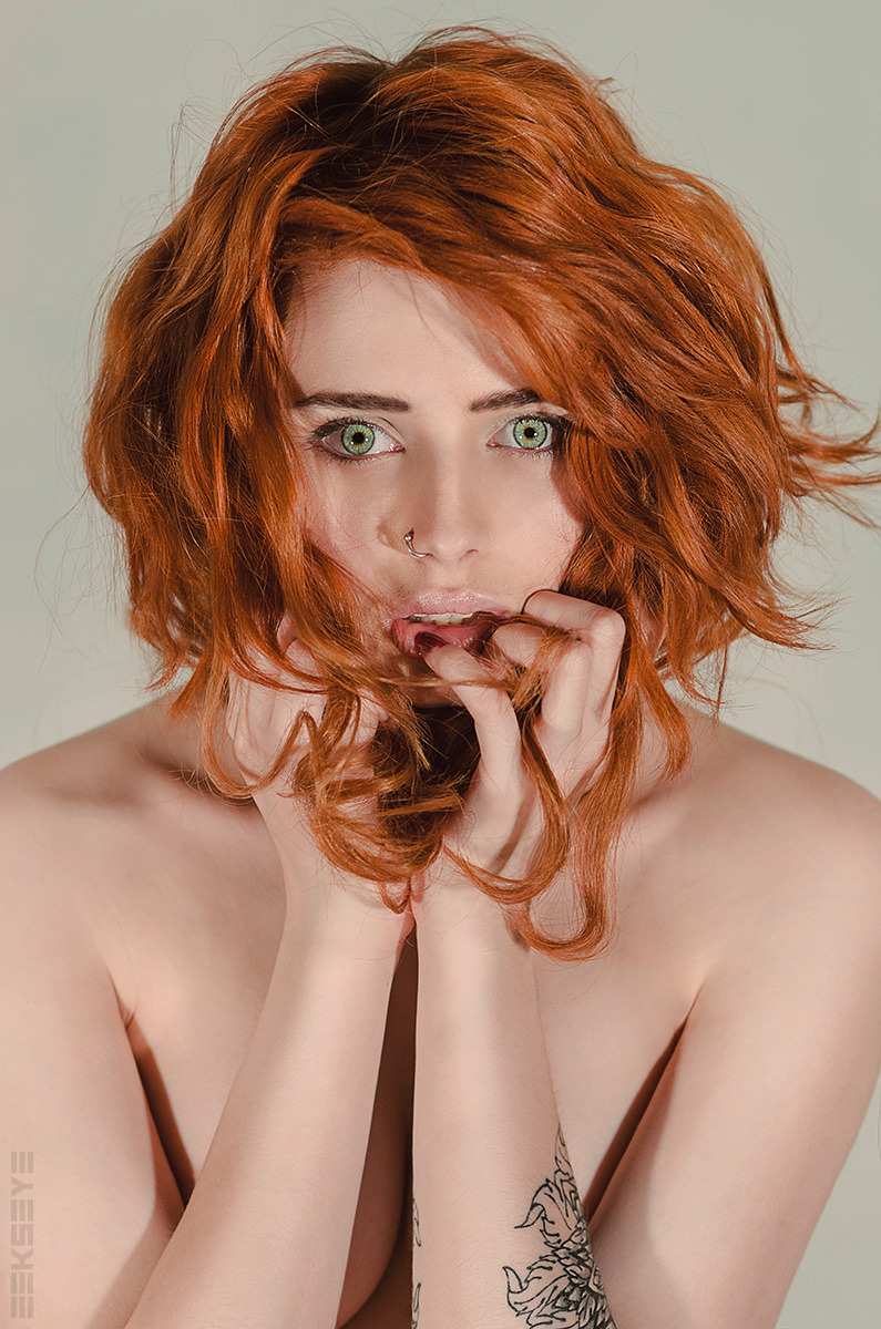 Frightened naked redhead | nudity, naked, rehead, firghtened girl, green eyes