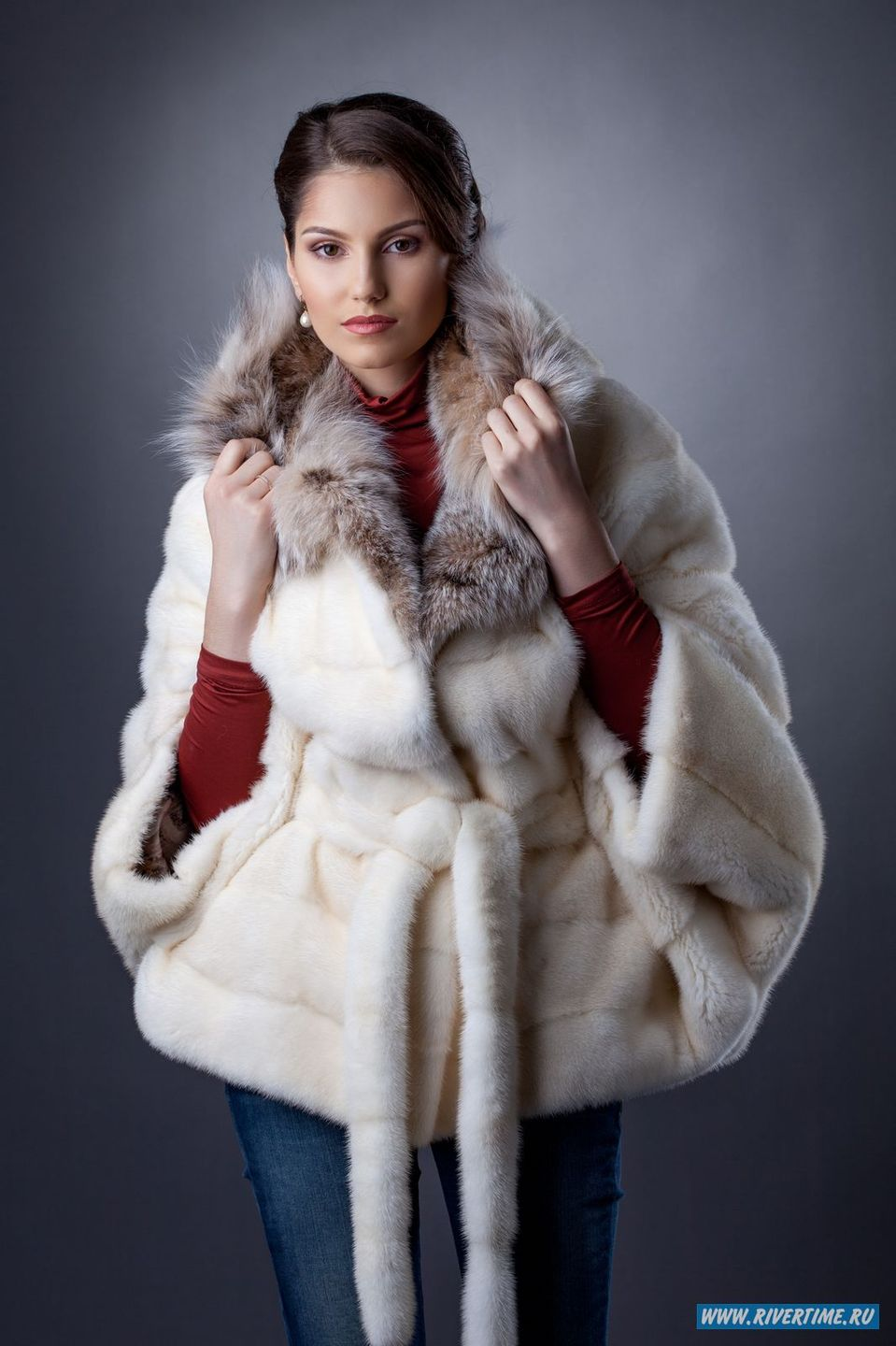 Woman in white fur coat | sleeves, collar, jeans, vinous, polo-neck, white, fur coat, hair, brunette, woman